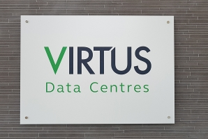 Celebrating the successful handover of LONDON5 Data Centre